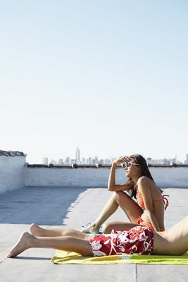 Couple sunbathing FAN0014196