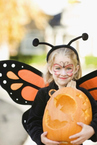 Girl in Halloween costume BXP0075136