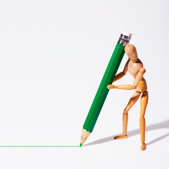 The doll draws a green line DVP0143997