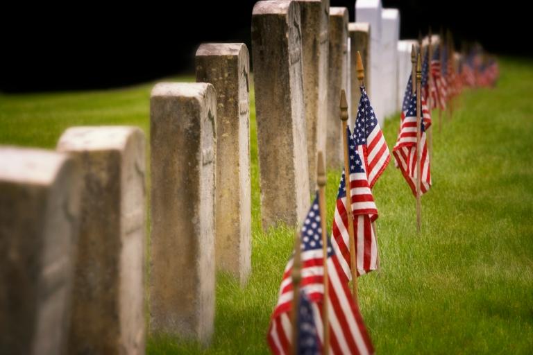 Gravestones and Flags Media Bakery ID: FOG0014177