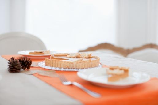 Media Bakery ID: OJO0033448 Pumpkin pie on table