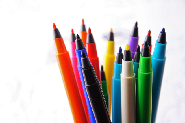 Media Bakery ID: STB0129352 Extreme close up of sketch pens together