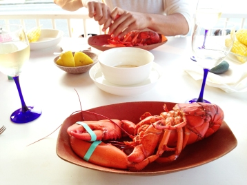 Media Bakery ID: MEM0001503 Plate of fresh lobster with butter and lemon